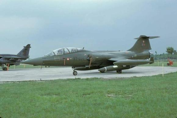 f-104 rt-654