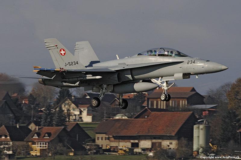 Swiss_AF_Boeing_FA-18D_Hornet