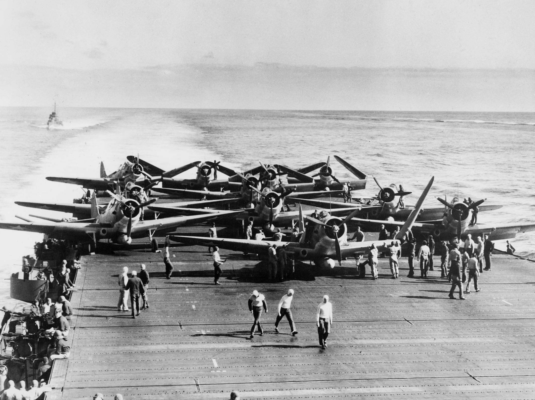 TBDs_on_USS_Enterprise_(CV-6)_during_Battle_of_Midway