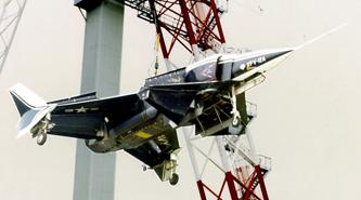 Rockwell_XFV-12A_on_gantry