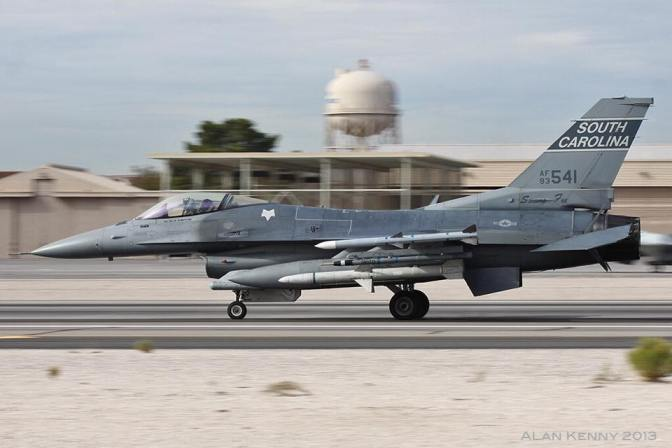 A Block 52 F-16CJ Fighting Falcon. (Copyright: Alan Kenny, 2014)
