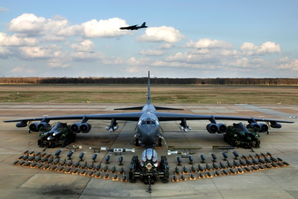 A U.S. Air Force Boeing B-52H Stratofortress of the 2d Bomb Wing static display with weapons, at Barksdale Air Force Base, Louisiana (USA), in 2006. (U.S. Air Force photo by Tech. Sgt. Robert J. Horstman)