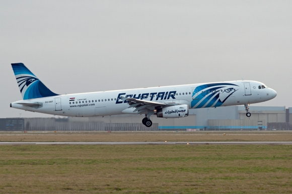 An Egyptair Airbus A321, similar to the A320 reported lost within the last 24 hours. Photograph by Pieter van Marion, 2012.