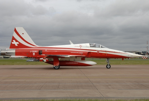 An F-5E Tiger II in Patrouille Suisse colors, similar to the one which was lost today. (Photograph by Aldo Bidini)