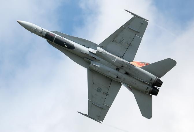 mcdonnell_douglas_cf-188_hornet_canada_-_air_force_jp7645832