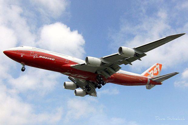 747-8i_n6067e_wide_angle